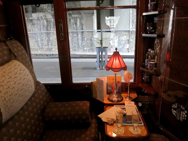 cabine du venice simplon orient express le meilleur du voyage. Black Bedroom Furniture Sets. Home Design Ideas