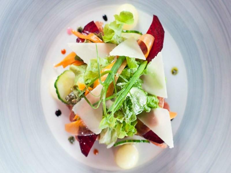 Une salade composée à La Sauterelle à l'île Maurice