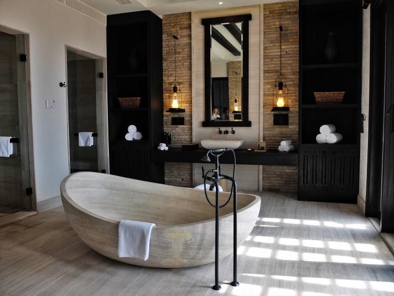 Superbe salle de bain à la décoration contemporaine
