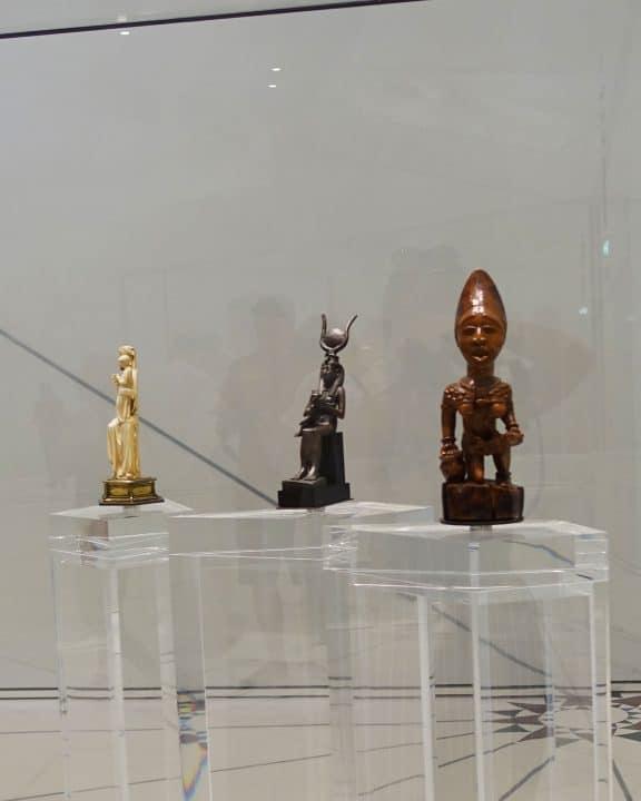 La vierge, Isis et la figurine maternelle du Congo